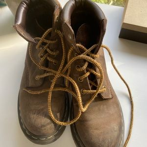 Vintage doc martens brown great condition